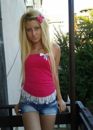 Loyce from  is looking for adult webcam chat